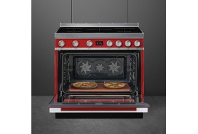 Голяма свободно стояща печка SMEG CPF9IPR с голяма 90см фурна и 5 индукционни котлона в червено и неръждаема стомана