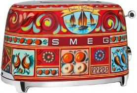 Тостер в уникален дизайн Dolce & Gabbana произведен от Smeg TSF01DGEU