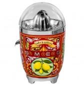 Цитрус преса за сок в уникален дизайн Dolce & Gabbana произведен от Smeg CJF01DGEU